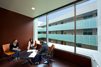 Students enjoy new building at Palomar College